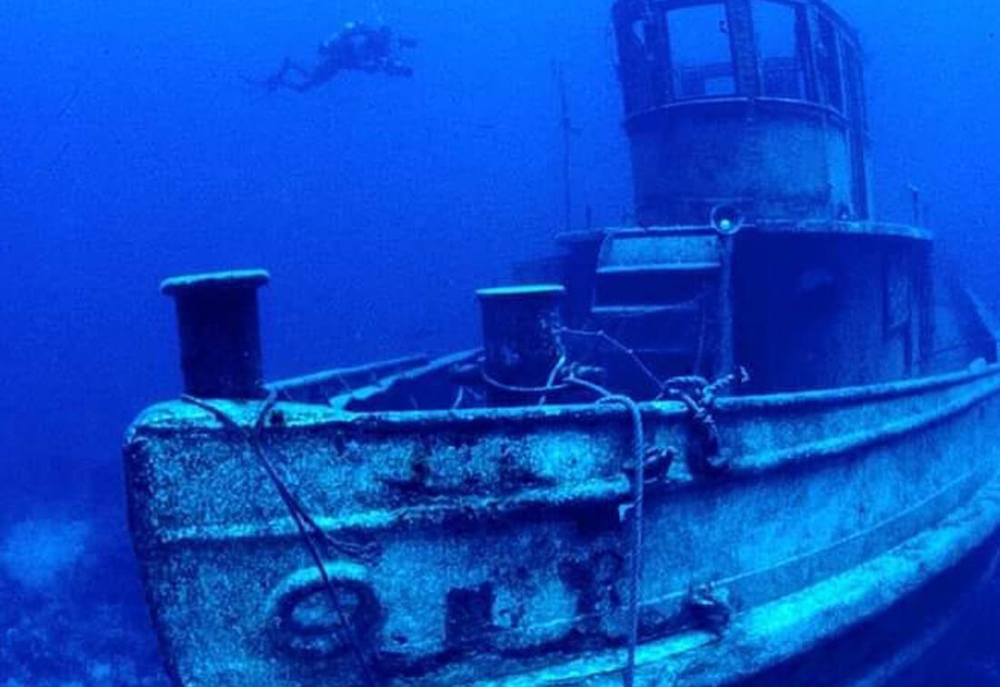 scuba dive joes tug key west fl - Scuba Diving & Snorkeling Locations